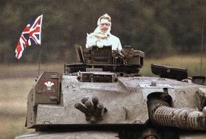 بانوی آهنین در پشت تانک!
