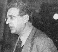 ارنست مندل(1923-1995) اقتصاددان و نظریهپرداز سیاسی مارکسیست بود که رهبری انترناسیونال چهارم را نیز برای مدت زمان طولانی بر عهده داشت.