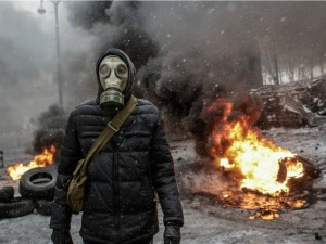 ukraine-protest-gas-mask-AFP