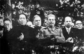 مائو و استالین در طی دیدار مائو از مسکو، دسامبر 1949