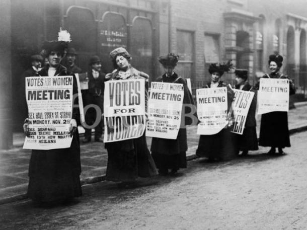 701965-suffragettes-1