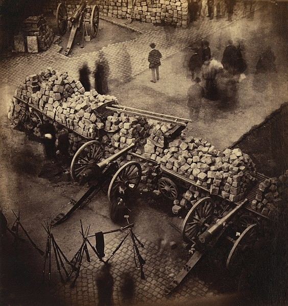 Barricade_Paris_1871_by_Pierre-Ambrose_Richebourg